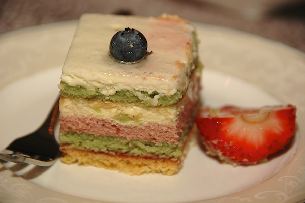 Strawberry Bavarois Cake
