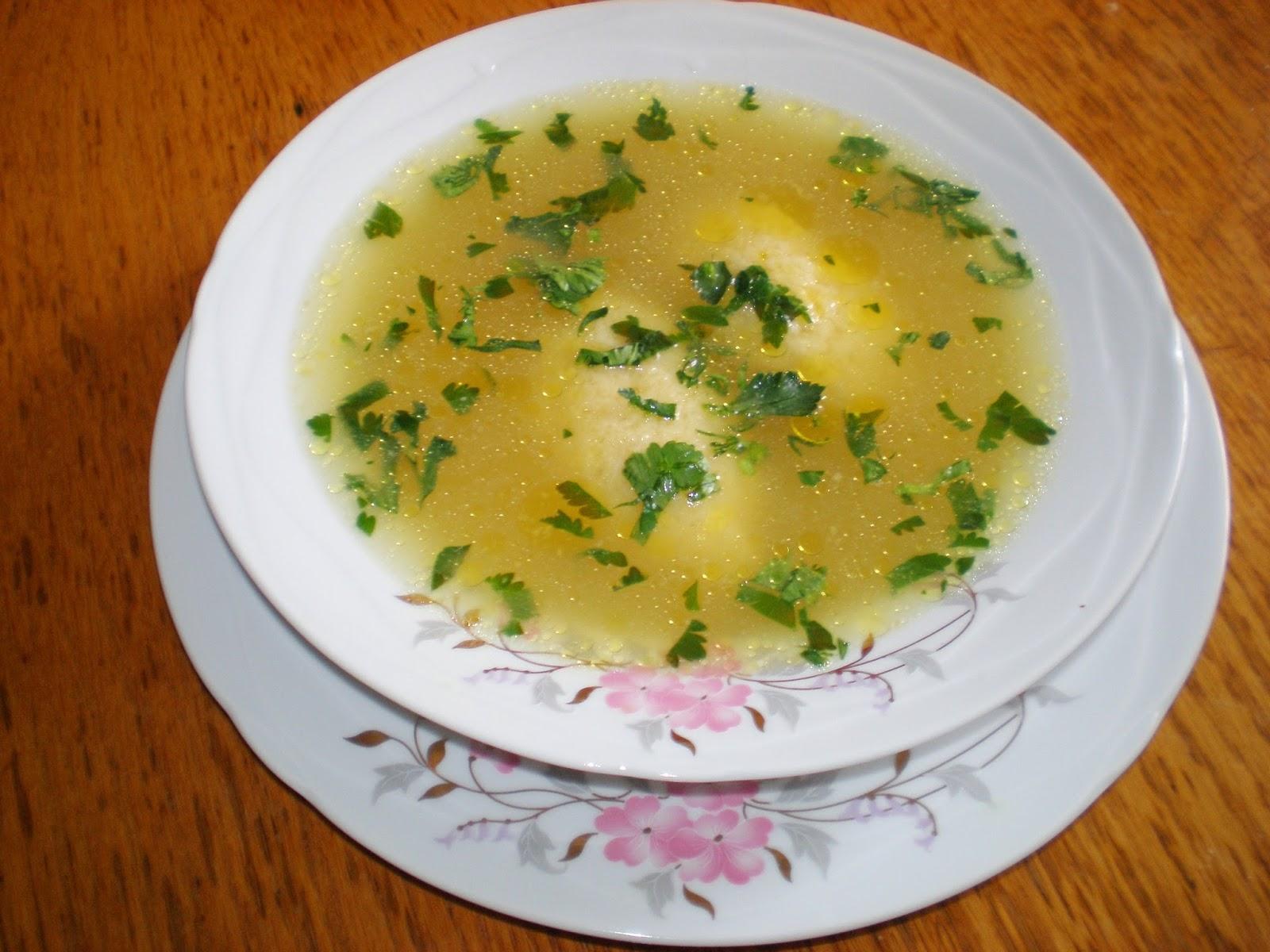 Supă de găină cu găluște