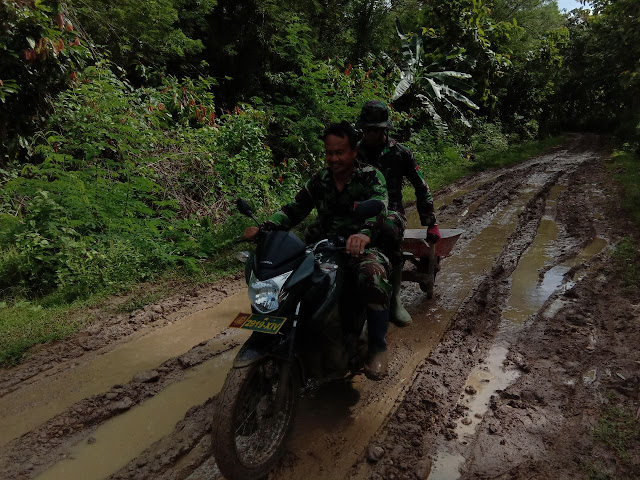 Demi Kesejahteraan Masyarakat, Medan dan Cuaca Tak Jadi Penghalang Satgas TMMD Kodim 1407/Bone