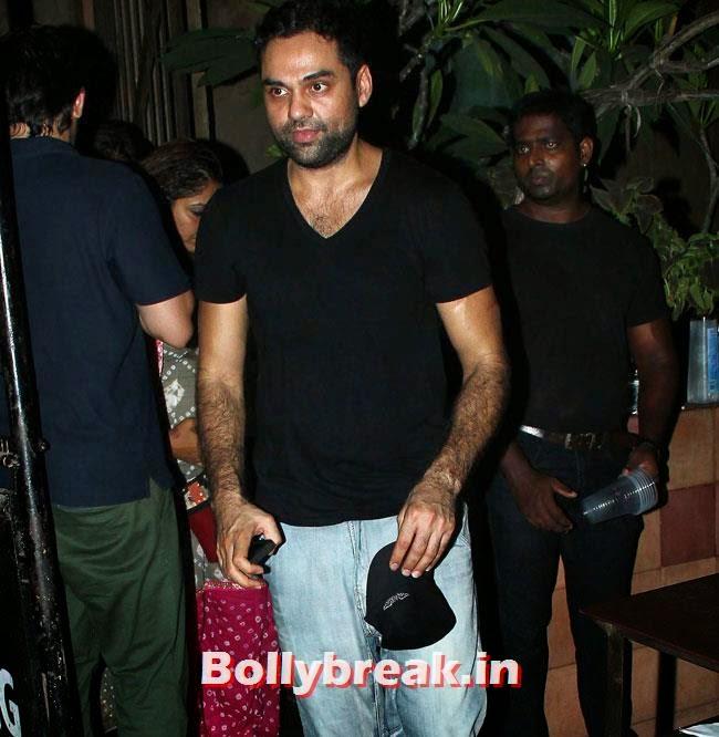Abhay Deol, Shriya Saran, anushka, Preeti & Ranbir at Plai Bhawan Bar Events