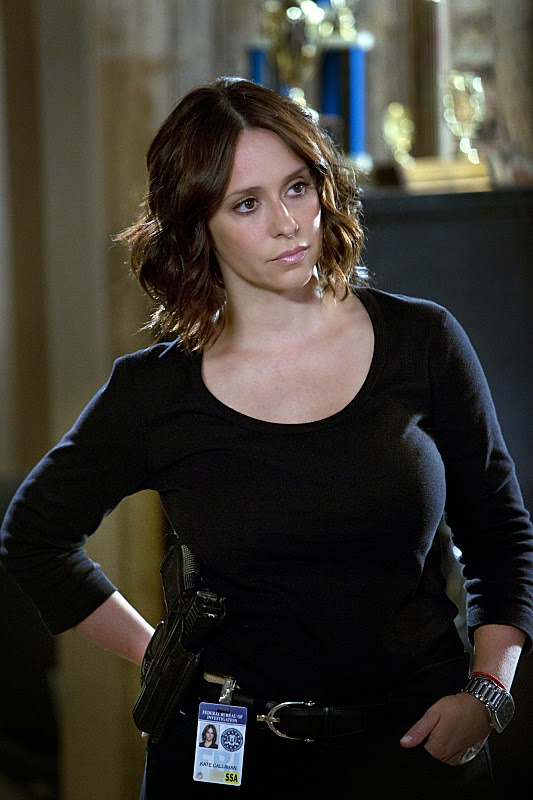 Tonight's New Episodes 10/1: Jennifer Love Hewitt Joins 'Criminal