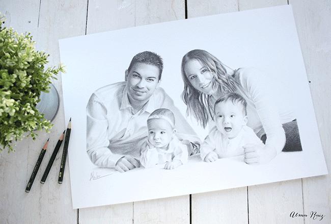 Retrato familiar dibujado a lápiz
