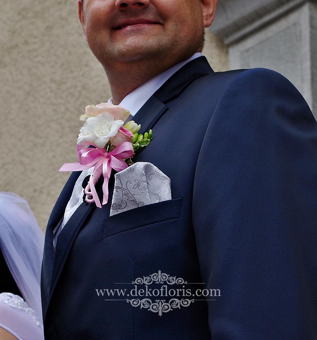 Różowa róża butonierka Pana Młodego ślub opolskie