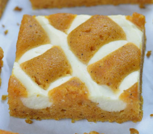 Pumpkin Bars with Cream Cheese #pumpkin #dessert