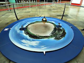 Pêndulo de Foucault (Museu de Ciência e Tecnologia da PUCRS)