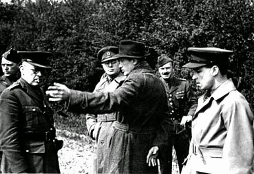 Camp 020 interrogators and German spy Karel Richter, 18 May 1941.  (Imperial War Museum - HU 66766 - Fair Use)