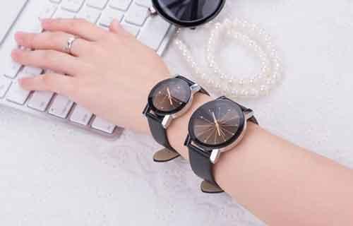 Đồng hồ Thạch anh dây da giá rẻ nhất