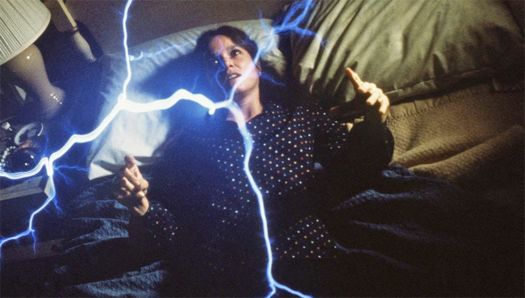 Barbara Hershey in THE ENTITY (Sidney J. Furie, 1982) / Quelle: Screenshot Koch Media Blu-ray (bearbeitet)