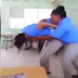 Video - Suspenden maestra permitió que alumnas se pelearan en el aula