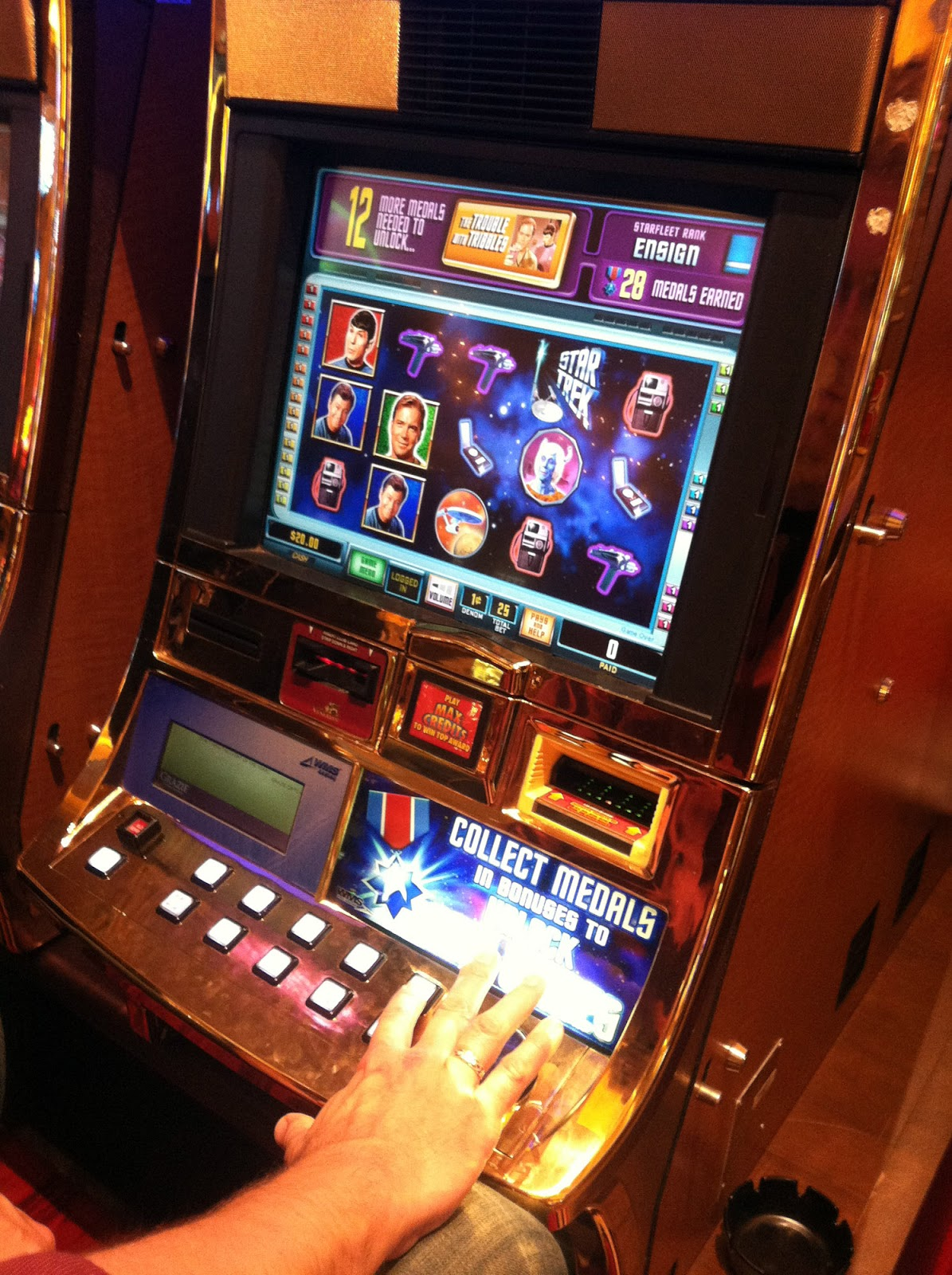 Film slot machine