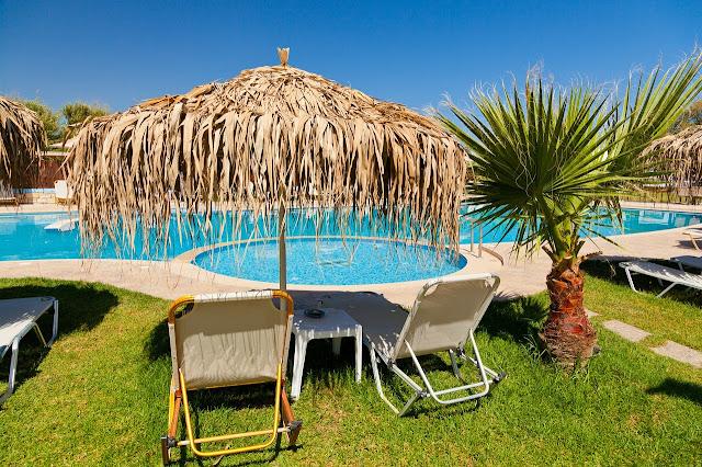 Reformas Valencia te cuenta cómo disfrutar en la piscina