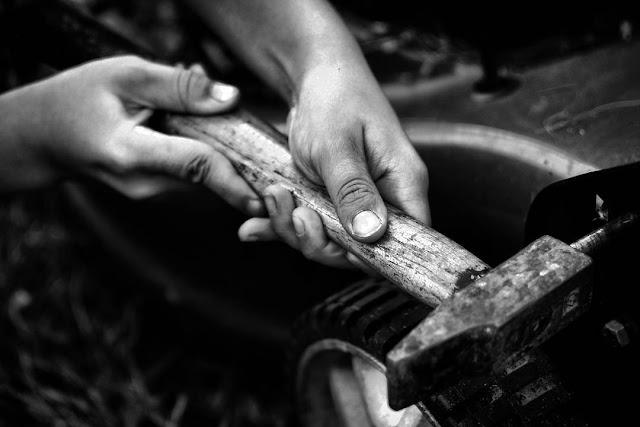 fils, son, marteau, travaux, main, mains, hand, garçon