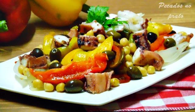 Pota com grão e pimentos