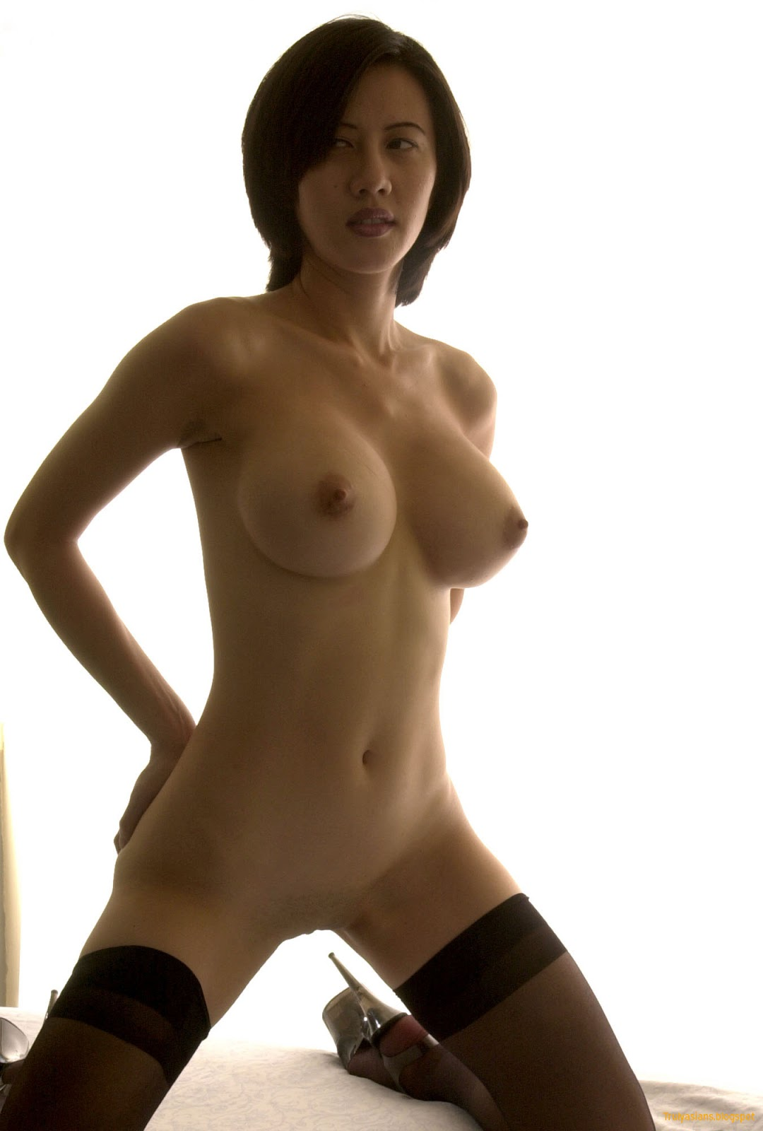 Asian nude old woman