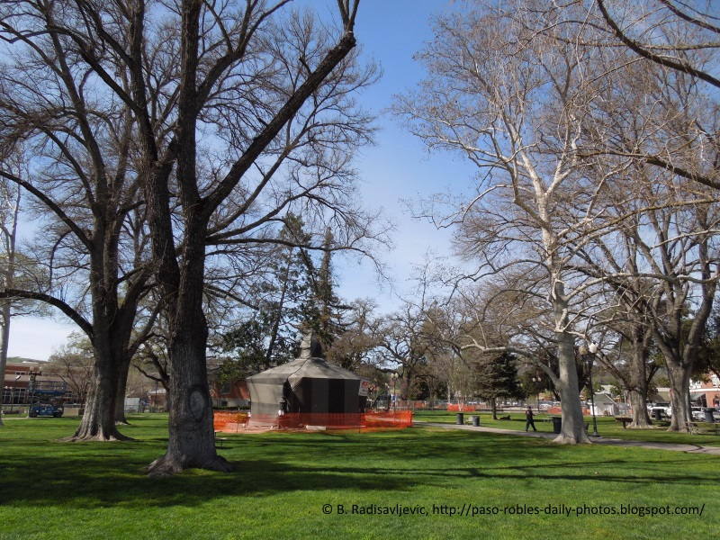 Paso Robles City Park is Wrapped in Orange