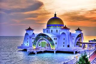 Adab Masuk dan Keluar Masjid