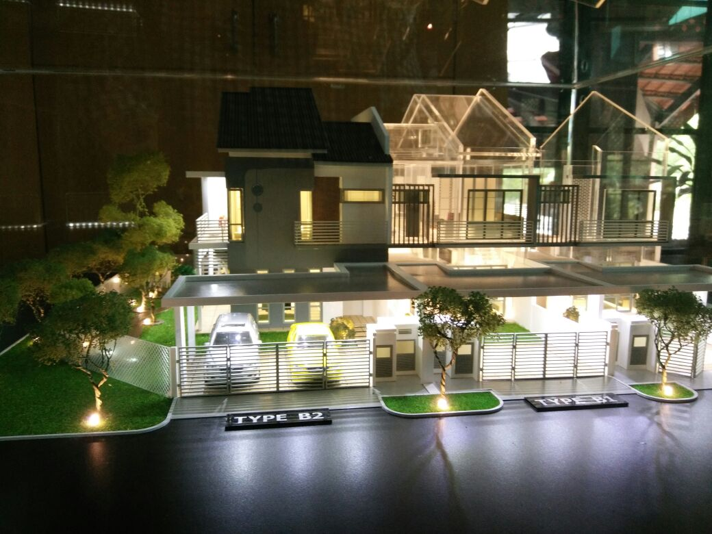 Double Storey House 20' x 70' di Kota Seriemas