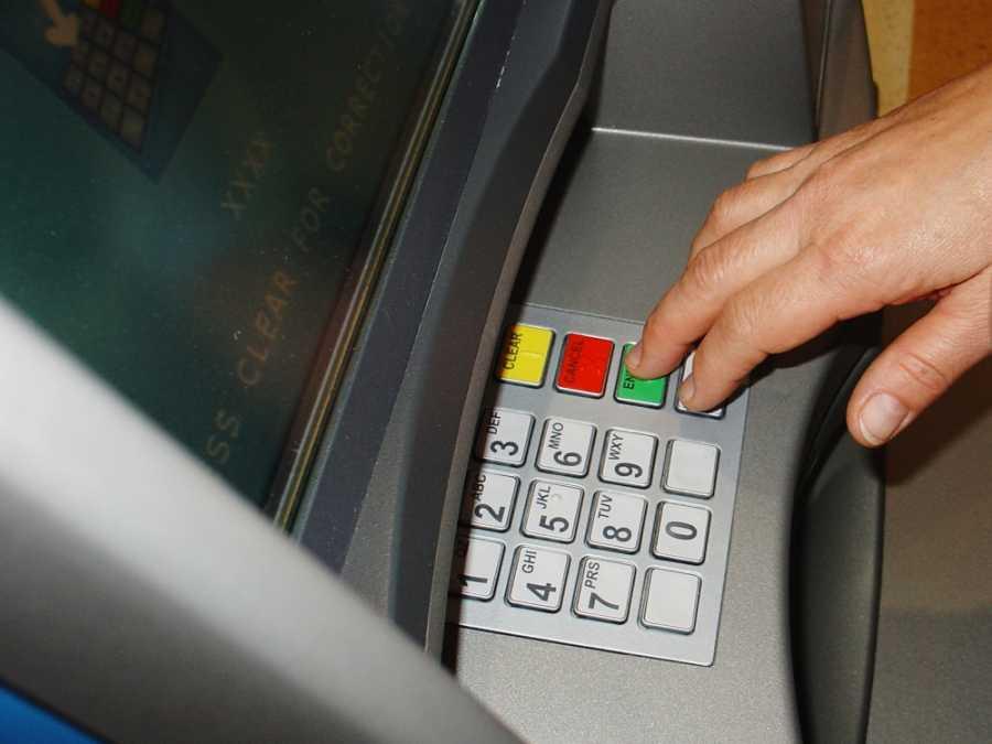 Προβλήματα στις συναλλαγές μέσω καρτών και στην ανάληψη μετρητών από ΑΤΜ