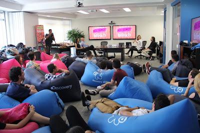 """""""Blinkers"""" reunidos na sede da Discovery em São Paulo - Divulgação"""
