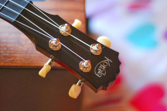 Korala Explore Concert Ukulele headstock