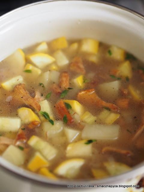 zupa krem, kurki, pieprznik jadalny, smaczna zupa, zupa kurkowo cukiniowa, zupa kurkowa, zupy domowe, zupa dnia