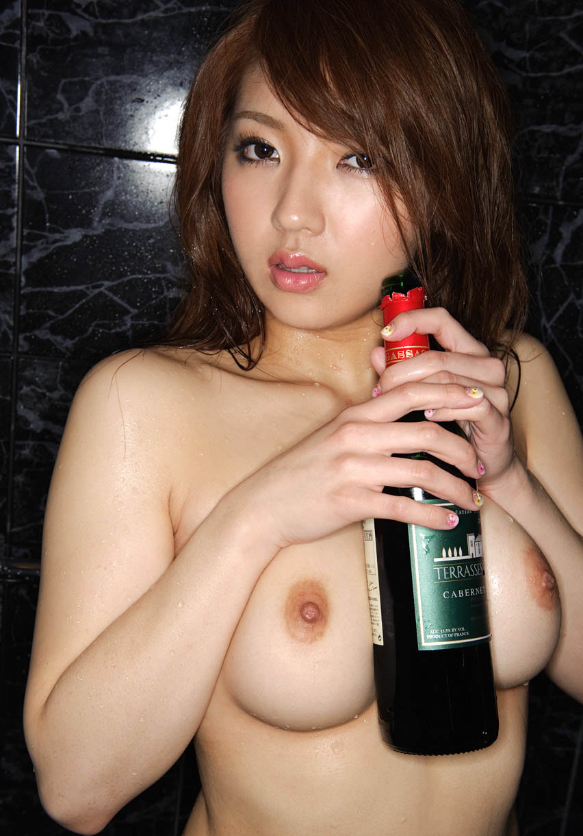 shiori kamisaki sexy naked pics
