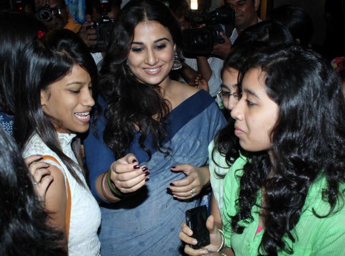 Vidya Balan Latest Photos in Blue Saree