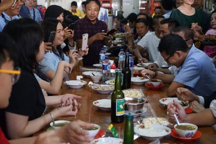 Unggah Ini di Makassar, Netizen Ingatkan Sandi Soal Botol