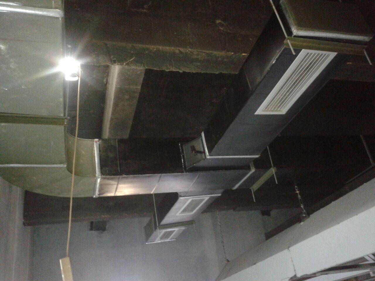 Aries Kitchen Mengerjakan Pembuatan Exhaust Hood Dan Instalasi Ducting Serta Pemasangan Fan Motor Untuk Restoran Dengan Ukuran Yang Di Sesuaikan