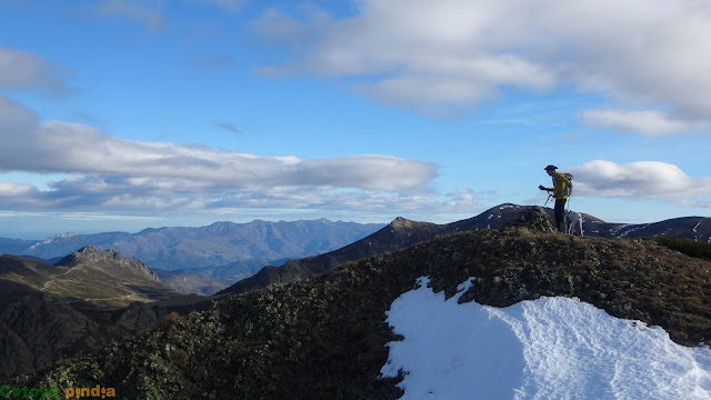"""Coronando el techo de la Sierra de Orpiñas """"La Calar"""""""