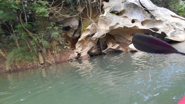 в парке Кхао Сок, сплав по реке