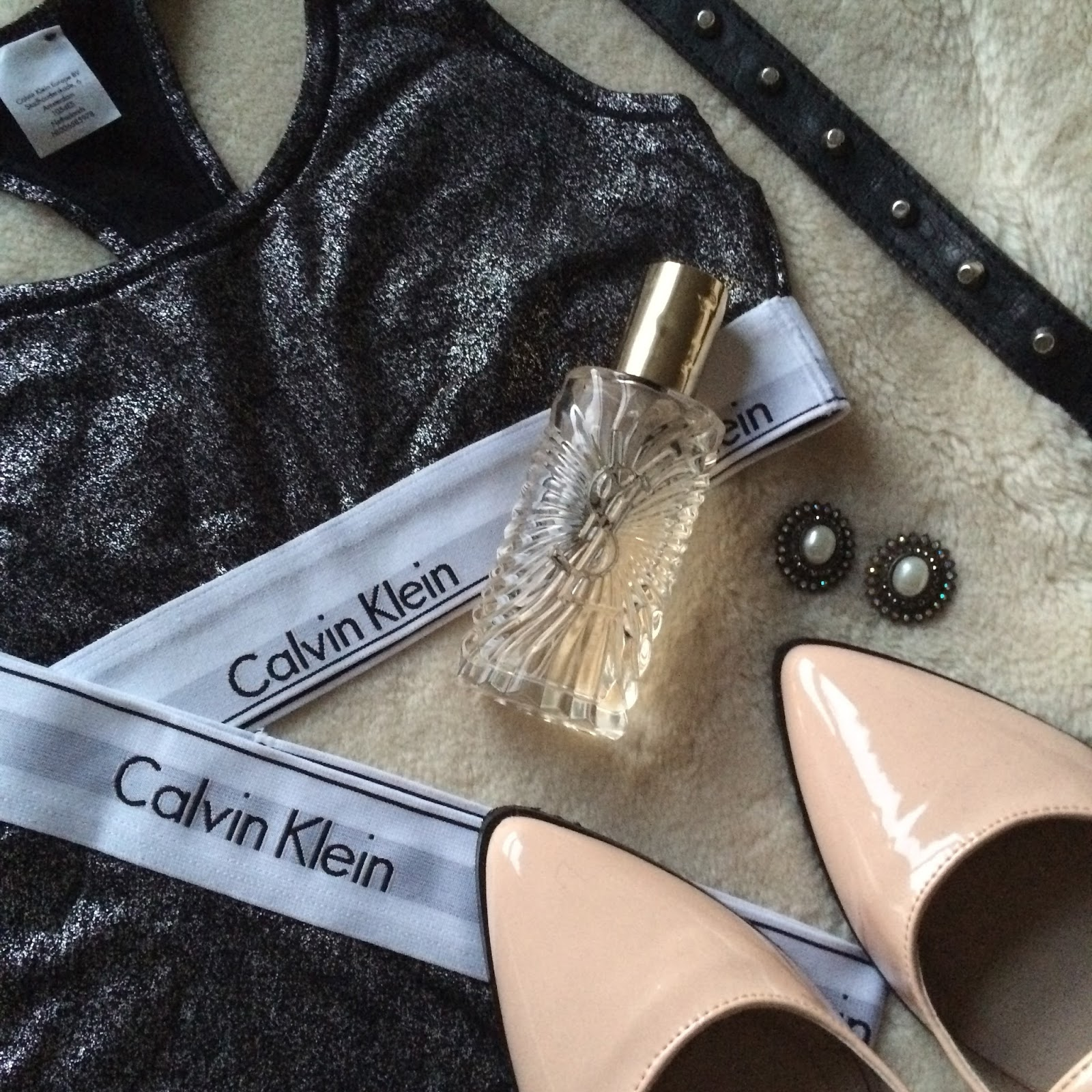 flat lay fashion blogger calvin klein