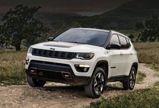 Jeep Compass white exterior 2018