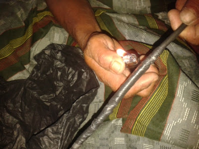 Cara melakban kabel terkelupas dari tas plastik bekas yang murah namun kuat
