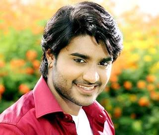 Pradeep Pandey 'chintu' (Singer, Actor) Photo -  Pradeep Pandey 'chintu' (Singer, Actor) Wiki, Family, Father, Wife, Pics, Films