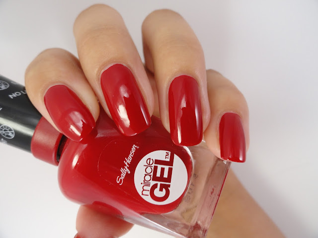 Sally Hansen - Rhapsody Red