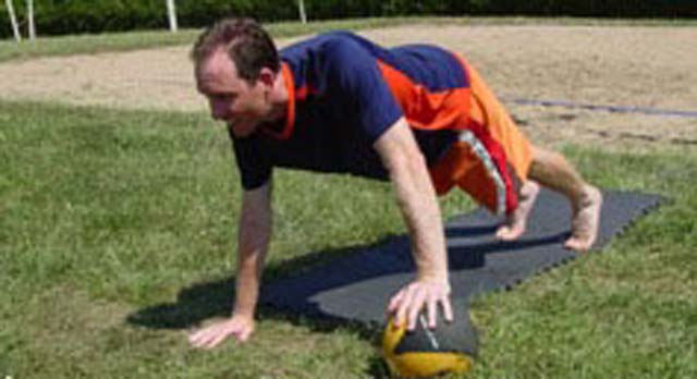 Jenis-jenis Bentuk Latihan Fisik Dalam Pemainan Bola Voli