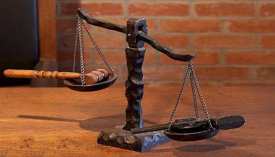 بحث ودراسة التبعات القانونية من تعرض الملفات القضائية للسرقة أو التلف