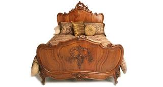 tempat tidur klasik kayu mahoni warna brown candy