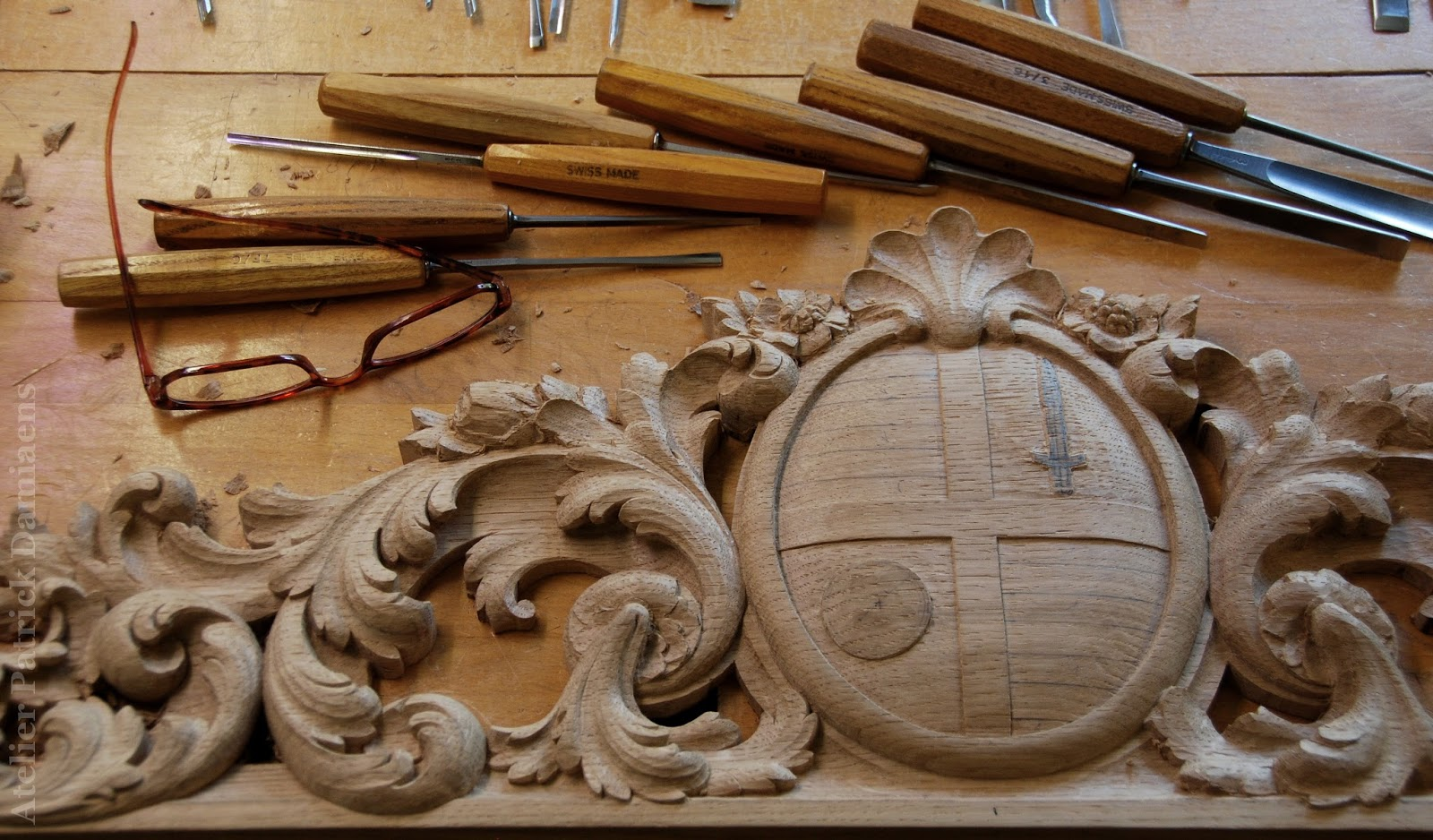 sculpture ornementale patrick damiaens supraporte en bois. Black Bedroom Furniture Sets. Home Design Ideas