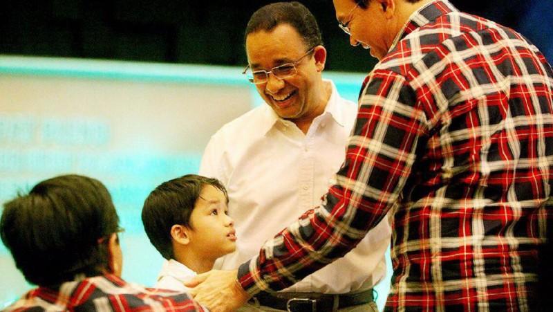 Ahok menyapa anak Anies Baswedan