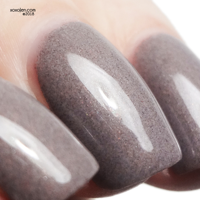 xoxoJen's swatch of 1850: Taupe-iary