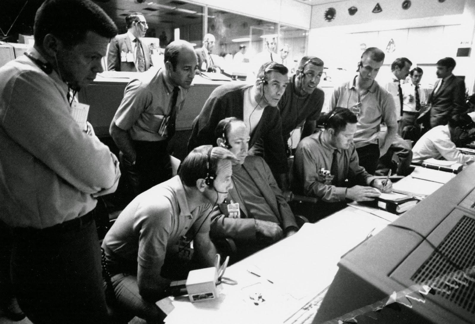 Apollo 13 Quotes Complete space quotes / souvenirs d'espace: interview de fred haise