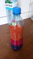 butelka z kolorowym ryzem dla niemowlaka