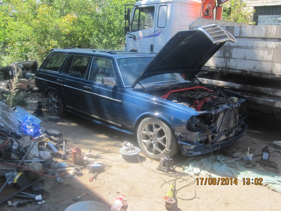 Mercedes Benz W123 7 3 V12 swap | Car guy's paradise