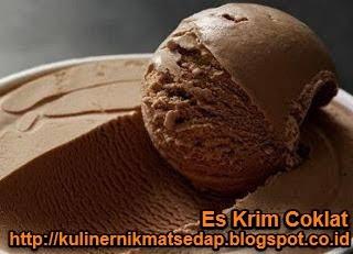 Es Krim Coklat Lembut dan Sederhana