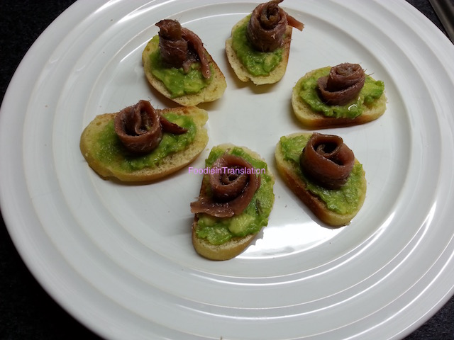 Finger food acciughe avocado