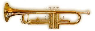 fotografía de una trompeta de 3 llaves
