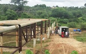 Obras da Ponte Metálica sobre o Rio Apodi é retomada em Felipe Guerra