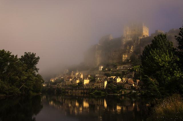 Dordogne River,the prettiest river journeys in Europe